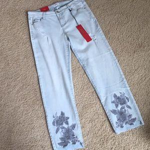 *NWT* Lightwash Floral Jeans